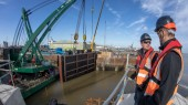 Pictures: www.DaveMoss.com 07977516933 Jembuild Paul Barker and Simon Cole at Immingham Dock Gates lift ABP